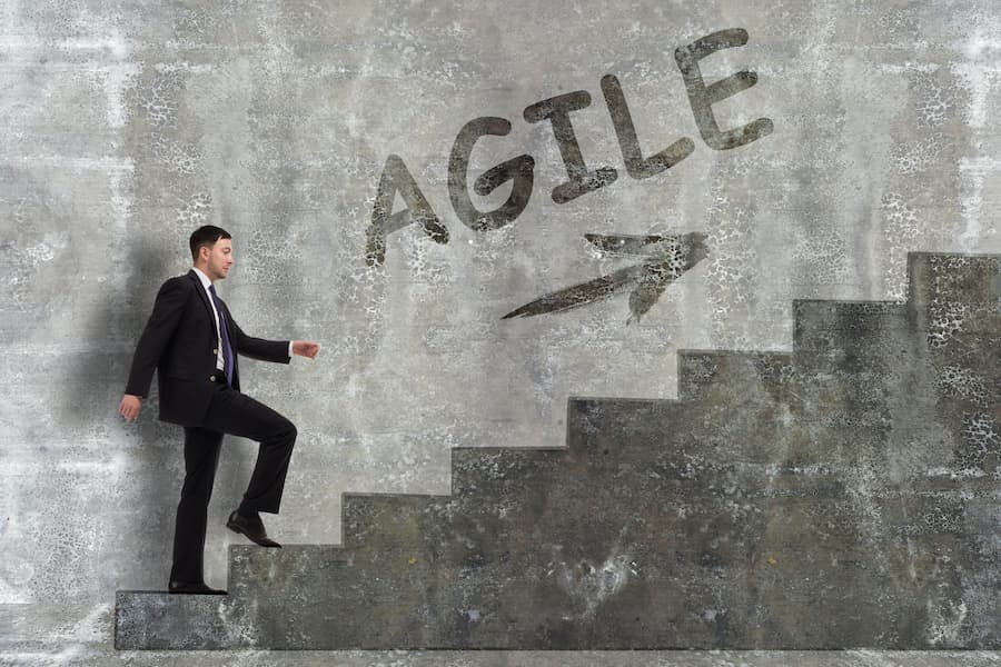blog thumbnail for agile leadership during covid19